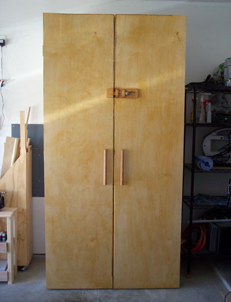 Woodwork How To Build A Wood Storage Closet PDF Plans